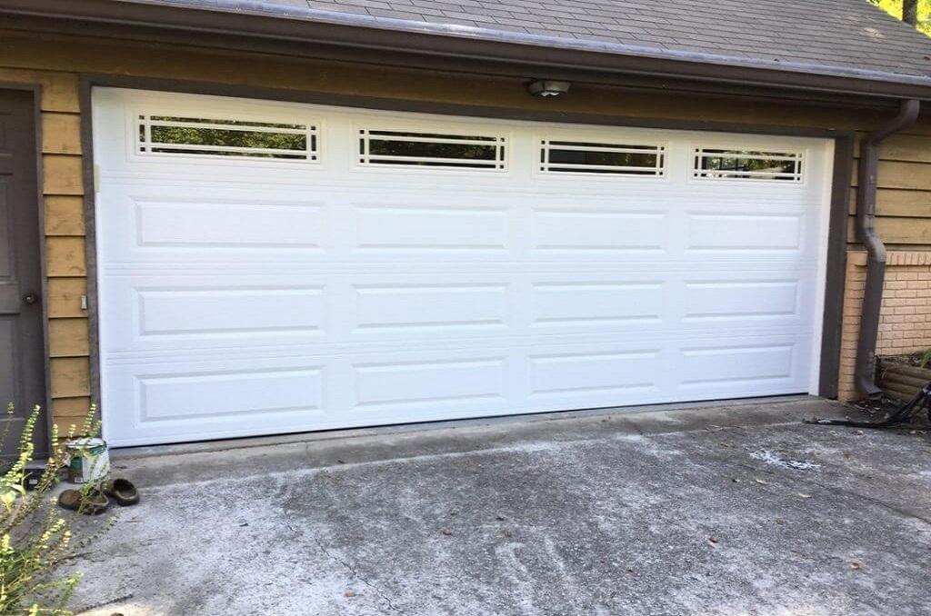 Helpful Tips for Hiring a Professional Garage Door Repair Company